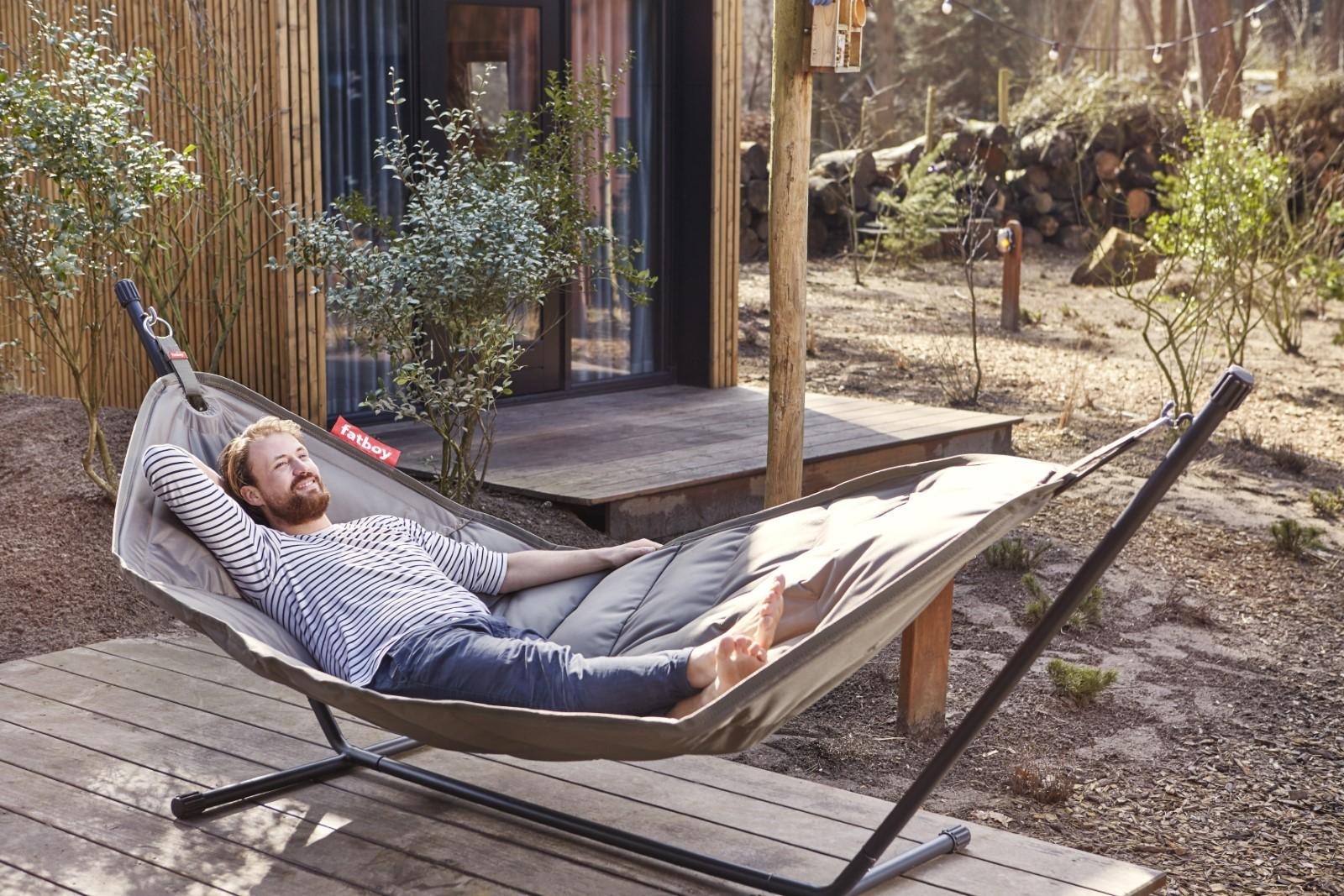 h ngematte pink von fatboy bei erkmann. Black Bedroom Furniture Sets. Home Design Ideas