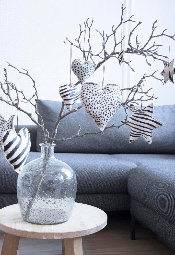 christbaumschmuck stern kuhfell zebra 10cm von mars more. Black Bedroom Furniture Sets. Home Design Ideas
