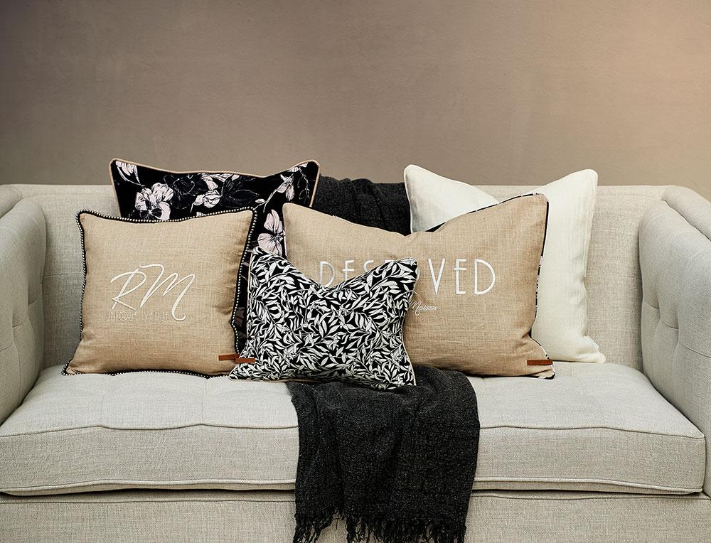 kissenh lle caf floral riviera maison erkmann. Black Bedroom Furniture Sets. Home Design Ideas