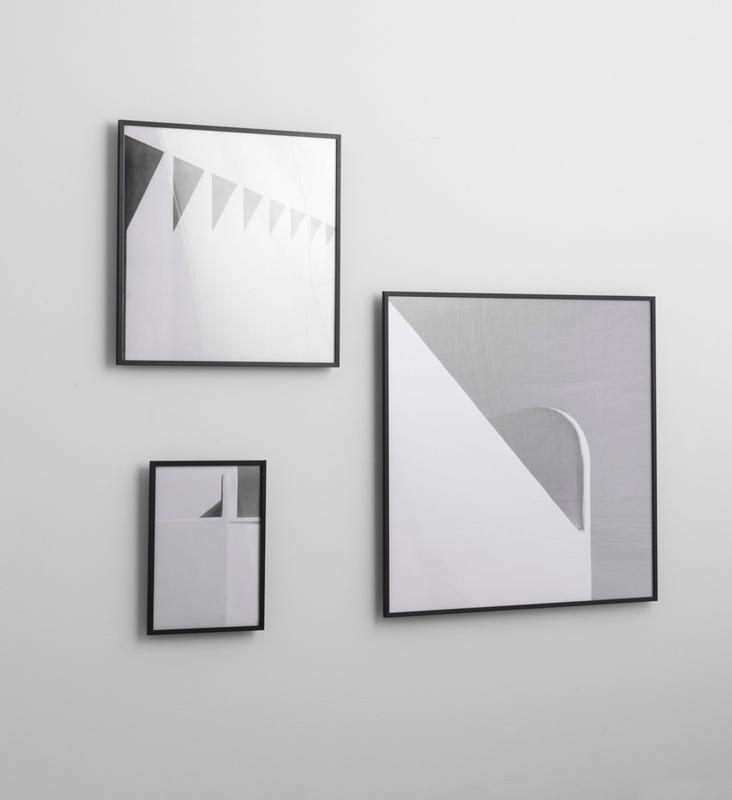 bilderrahmen rahmen illustrate 50 x 70 cm schwarz von by. Black Bedroom Furniture Sets. Home Design Ideas